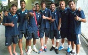 Jogadores do Avaí comemoram vitória sobre o Santos e classificação para a próxima fase da Copa SP. Foto: Daniel Marques / Torcedores.com
