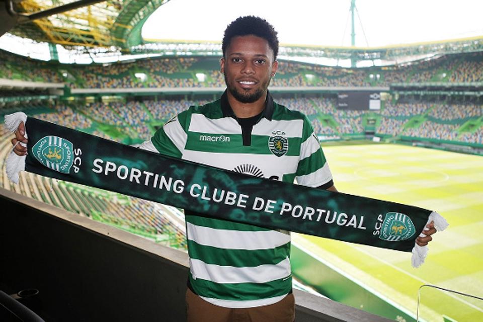 André: Sporting aceita proposta do Sport, mas Corinthians trava venda