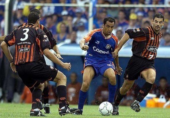 Em 2001, o Atlético-PR de Cocito foi campeão brasileiro contra o São Caetano - Foto: Arquivo Pessoal