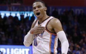NBA Westbrook acerta bolada em rosto de juiz em derrota do Thunder
