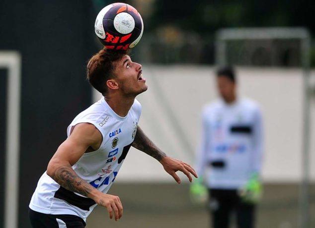 Zeca reclama de torcedores das numeradas e pede respeito. Foto: Reprodução/Santos FC