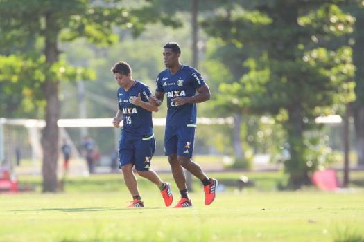 Conca já corre no gramado do Ninho - Gilvan de Souza/Flamengo