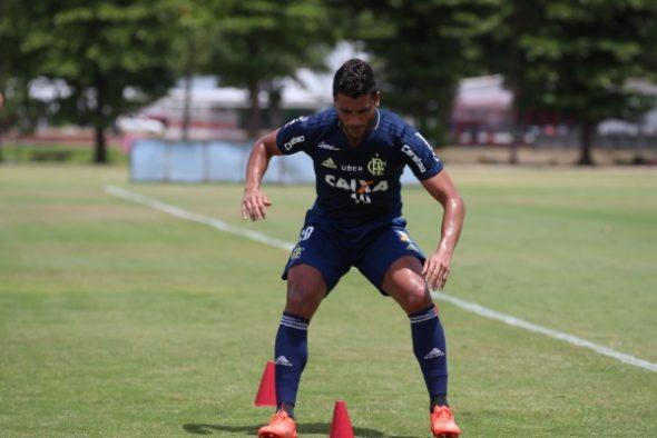 Ederson treina no campo - Crédito da imagem: Gilvan de Souza / Flamengo