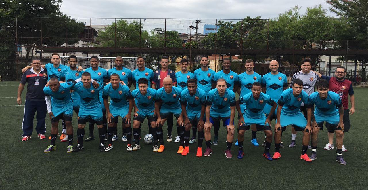 Barcelona da várzea usou uniforme azul inspirado no Barça espanhol (foto: Arquivo pessoal)