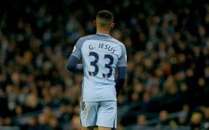 Gabriel Jesus dá assistência para City abrir o placar em estreia como titular na Premier League