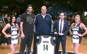 Homenagem dos Nets a Oscar Schmidt