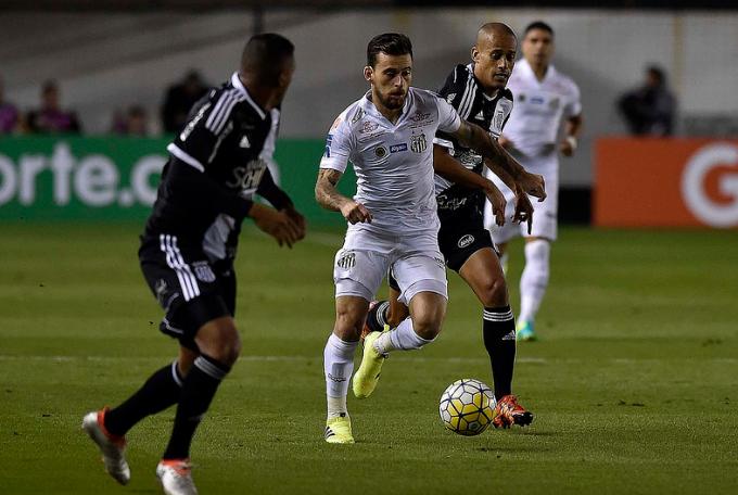 Pottker marca de pênalti e Ponte derrota o Palmeiras em Campinas