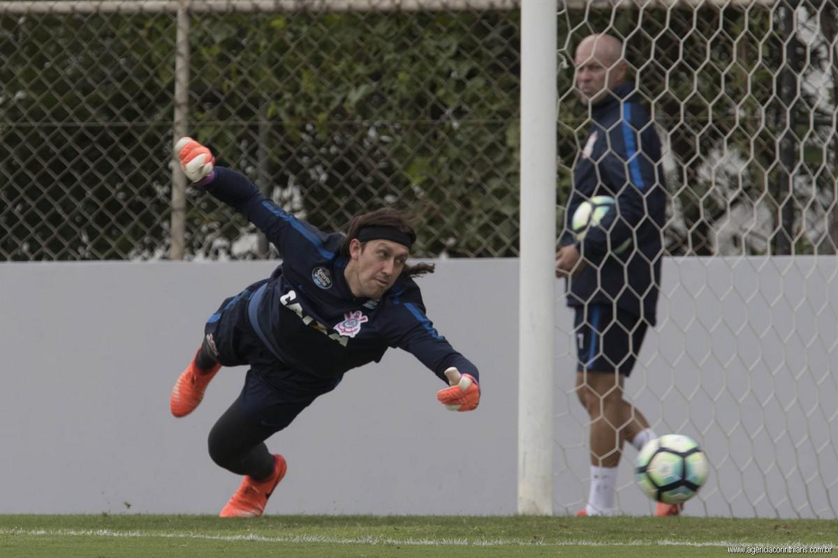 Carille vibra com bom momento do Corinthians e afirma: 'Achei um time'