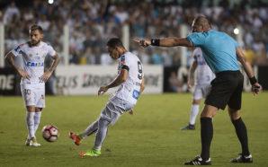 Você lembra qual foi o último gol de falta do Santos antes do de ontem?