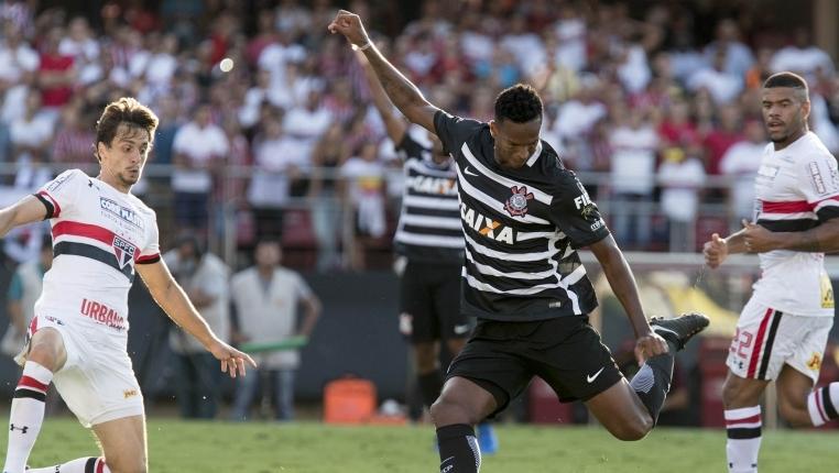 Lesão no tornozelo tira D'Alessandro do Inter em 'decisão' contra o Corinthians