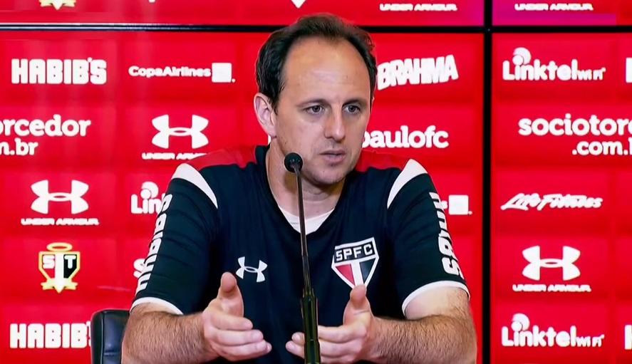Rogério Ceni lamenta eliminação, mas elogia o grupo