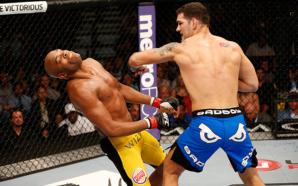 Weidman nocauteia Anderson Silva no UFC 162