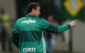 Opinião: Cuca precisa resgatar o futebol de 5 jogadores do Palmeiras