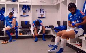 Jogadores do Cruzeiro no vestiário