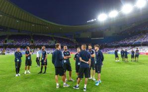 O Grêmio faz reconhecimento de gramado no estádio em que vai estrear no Mundial de Clubes