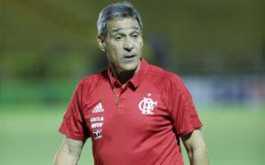 Carpegiani elogia meninos do Flamengo após estreia no Carioca
